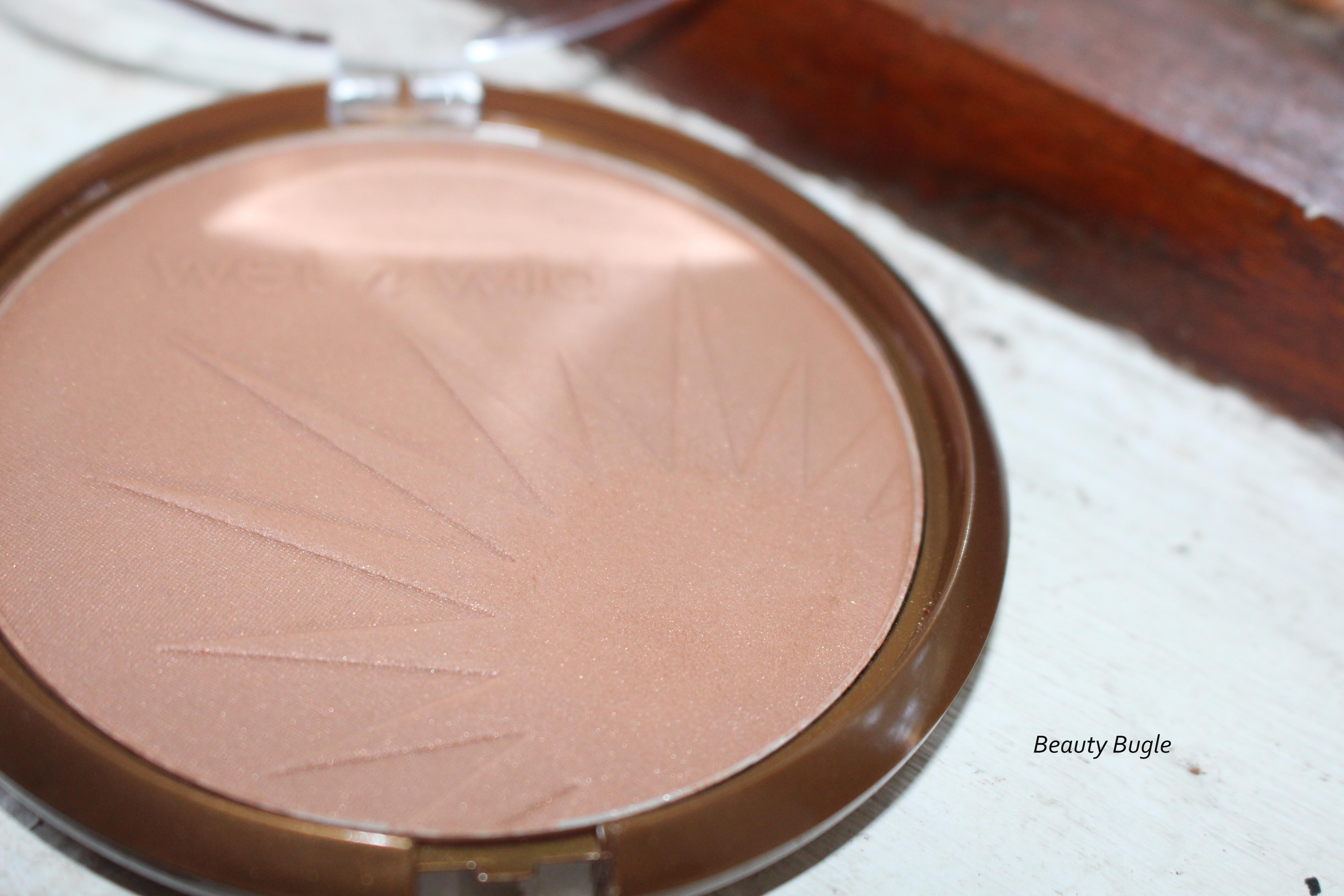 Wet n Wild Coloricon Bronzer has a beautiful sun pattern. And it's a mother load of product!
