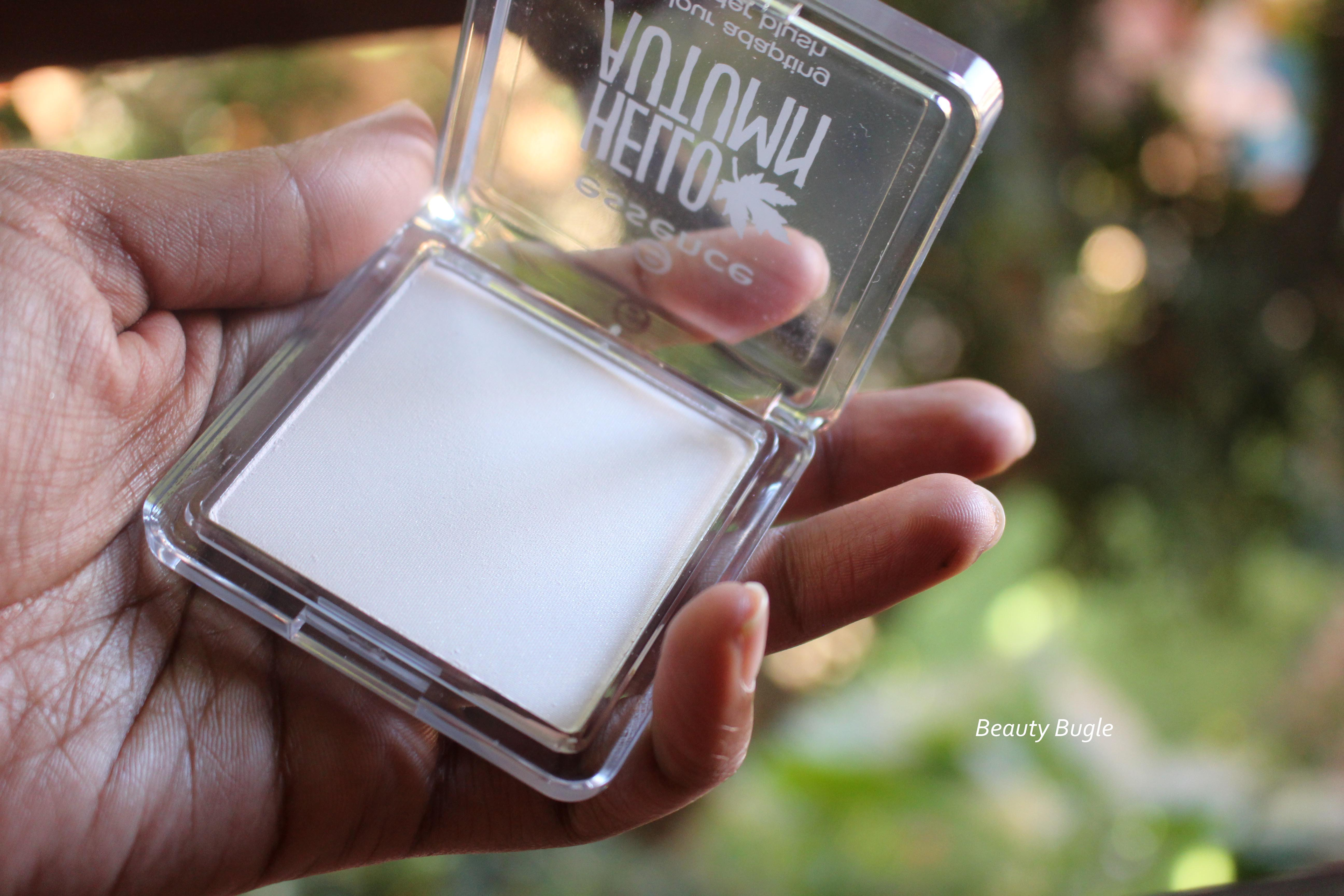 Essence Hello Autumn Beautifall-Red Colour adapting powder blush is a shimmery pale pink ivory in the pan.