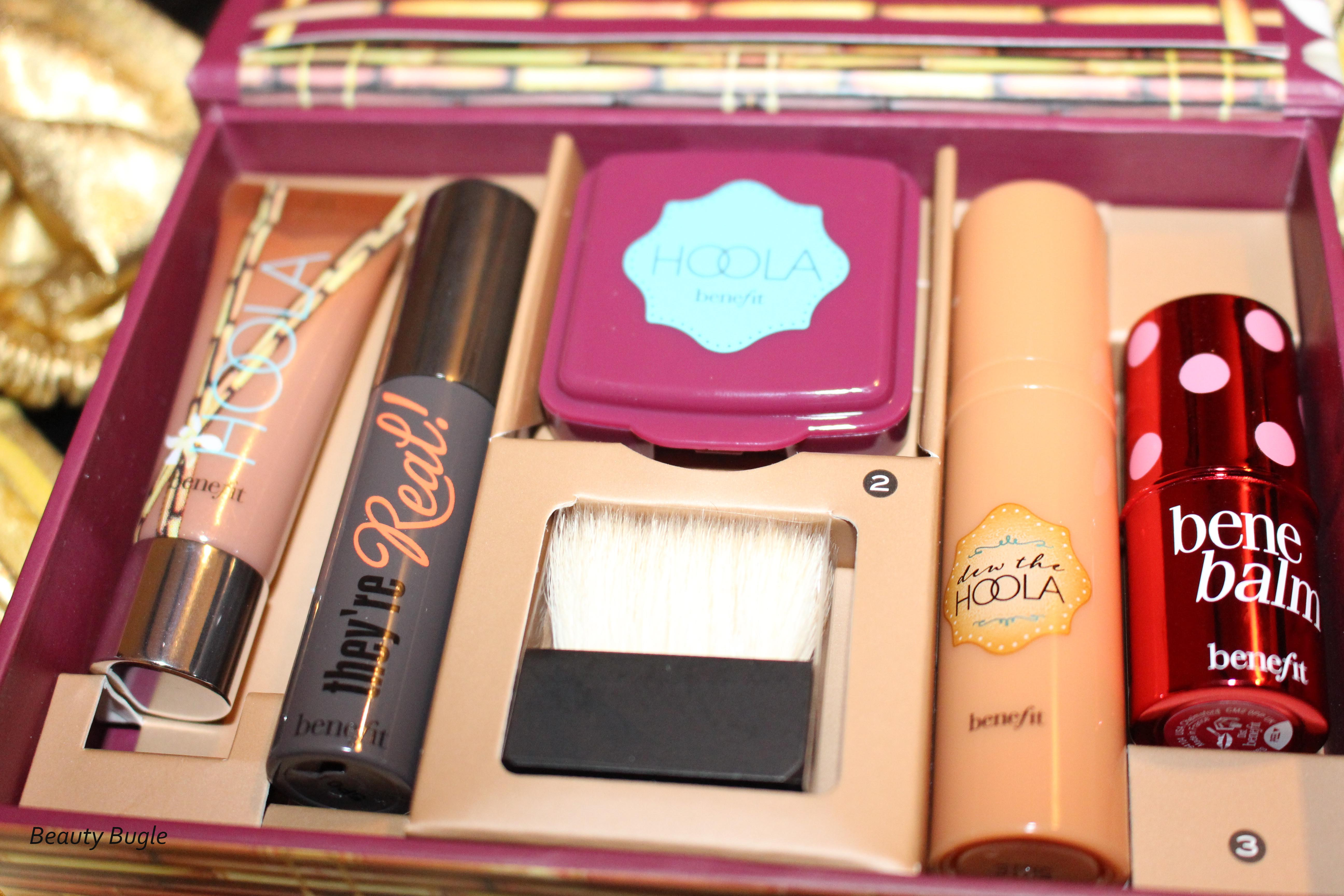 e7333ff3033 Benefit's Do The Hoola Beyond Bronze kit has 5 deluxe sample sized products.